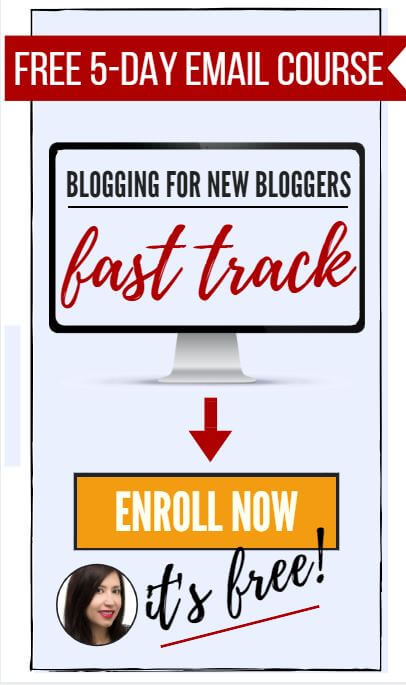 Computer with overlay text Blogging for New Bloggers Fast Track enrol now it's free